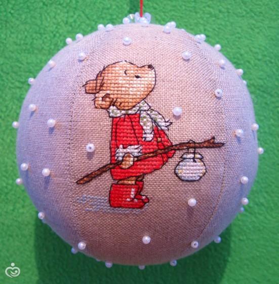 Новогодние шары вышивка