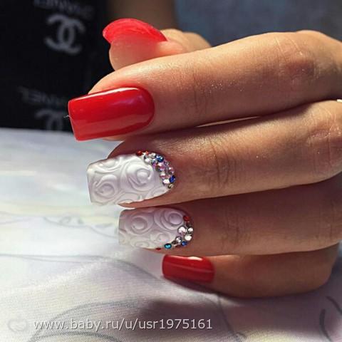 Дизайн ногтей красный с белым