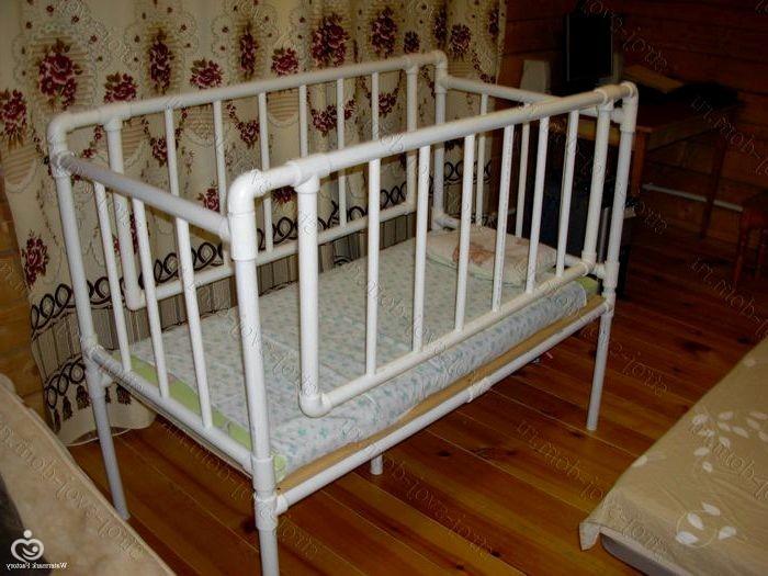 Детская кроватка своими руками из труб