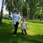 Мы в вязаных кофточках )))