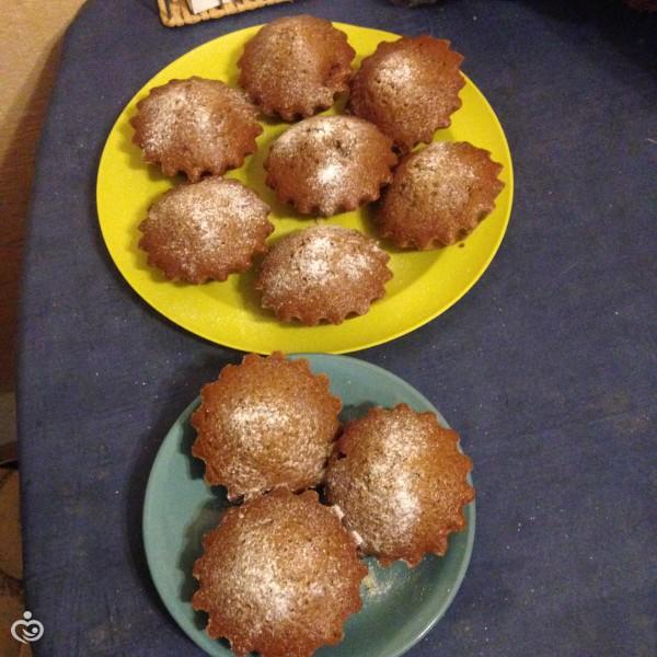 Постные кексы с изюмом