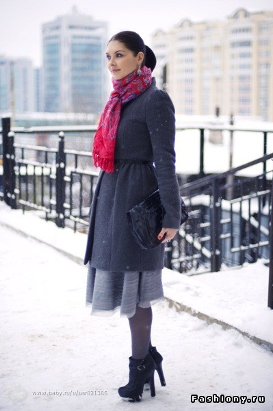 Верхняя одежда зимой с юбкой карандашом