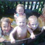 Весело купаемся